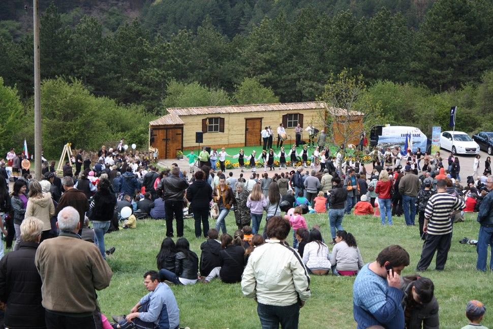 StGeorgesDay-Stage-at-Kremikvtsi-Monastery