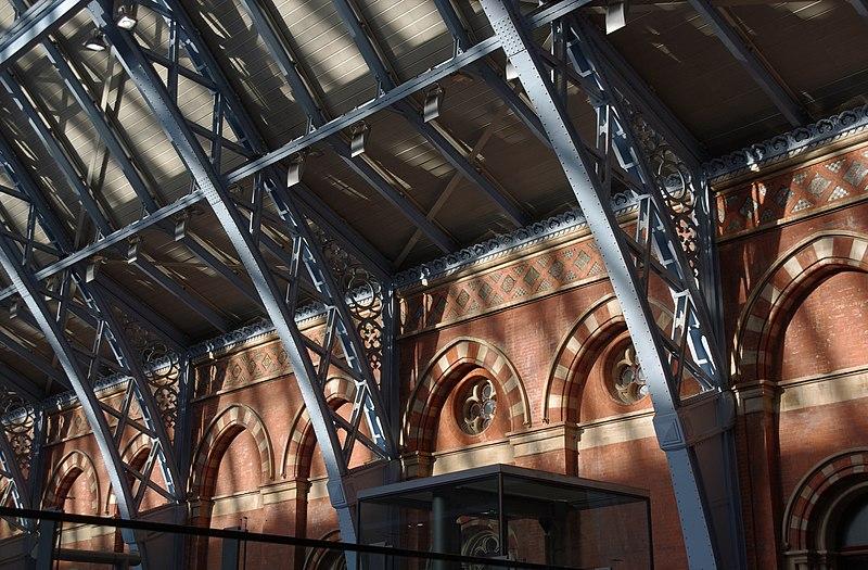 File:St Pancras railway station MMB I5.jpg