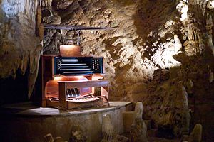 The Great Stalacpipe Organ - Image: Stalacpipe Organ booth at Luray Caverns (2012 03 24 19.25.14 by Jon Callas)