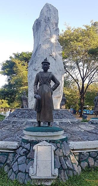 Bodawpaya - Statute of the king in Mandalay Palace