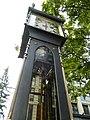 Steam clock's internal structures, Gastown - panoramio.jpg