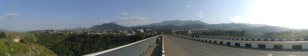 Πανόραμα του Στεπαναβάν από γέφυρα του ποταμού Dzoraget