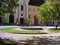 Stift Rein Brunnen Stiftshof.JPG