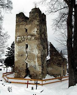 Stránske - gothic church ruins.JPG