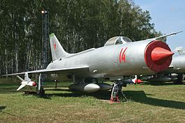 Sukhoi Su-11 Fishpot-C 14 red (9971957763).jpg