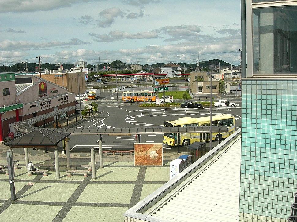 Sukumo-Station-square-rotary