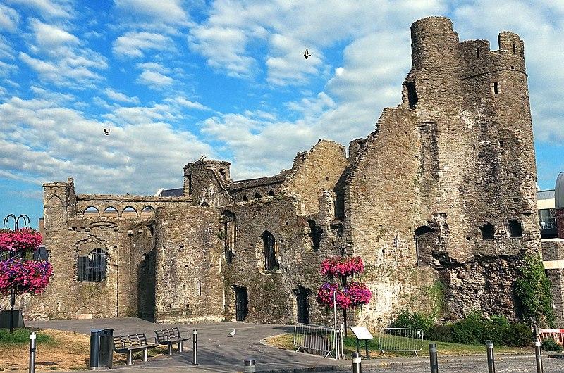 File:Swansea Castle 2018.jpg