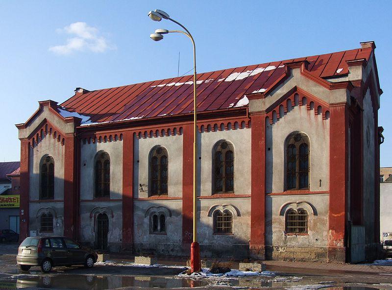 Datei:Synagogue in Ružomberok.jpg