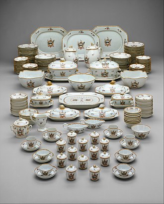 Chinese export porcelain - An armorial dinner service for the American market, c. 1785-90