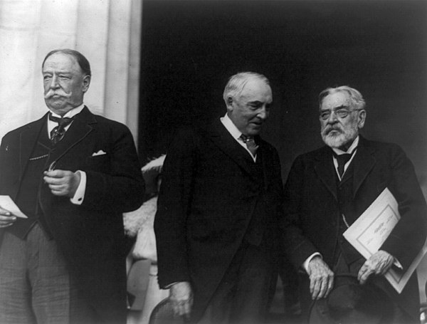Chief Justice Taft, President Harding and Lincoln at the dedication of the Lincoln Memorial in 1922 Taft-Harding-Lincoln.jpg