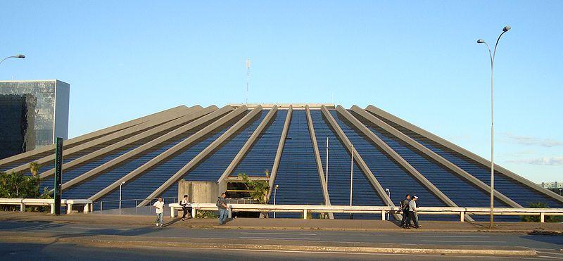 Ficheiro:Teatro nacional brasilia.jpg