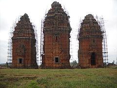 Tháp Dương Long, Tây Sơn, Bình Định.JPG