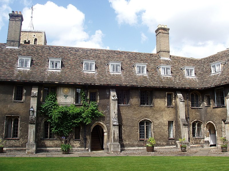 File:The Old Court at the Corpus Christi College (Cambridge).jpg