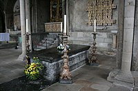 Tomb of the Venerable Bede.jpg