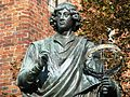 Toruń, Rynek Staromiejski (pomnik Kopernika) (OLA Z.).JPG