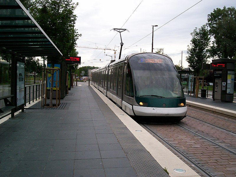 Tramway de Strasbourg line B à Ostwald Hôtel de Ville, vers Tiergaertel