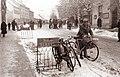 Tudi pločniki v Dolnji Lendavi so polni koles 1961 (2).jpg