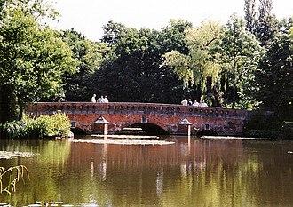 Elstree - Tykes Water bridge
