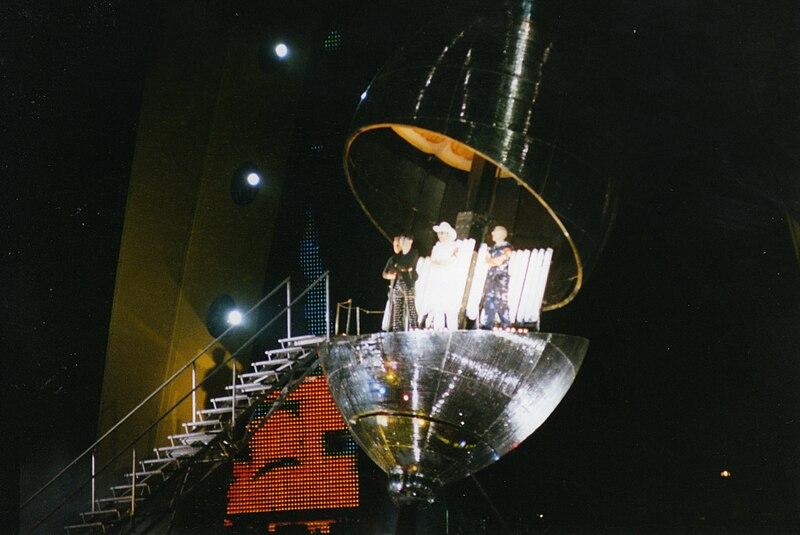 U2 PopMart Tour, Belfast, August 1997 (18).jpg