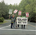 US-WA-Olympia-EvergreenStateCollege-WorkersStrike-2013-5-25-012.jpg