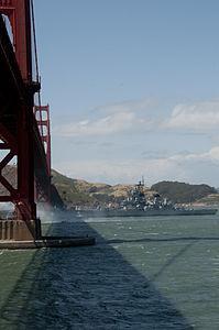 USS Iowa passing under Golden Gate.jpg