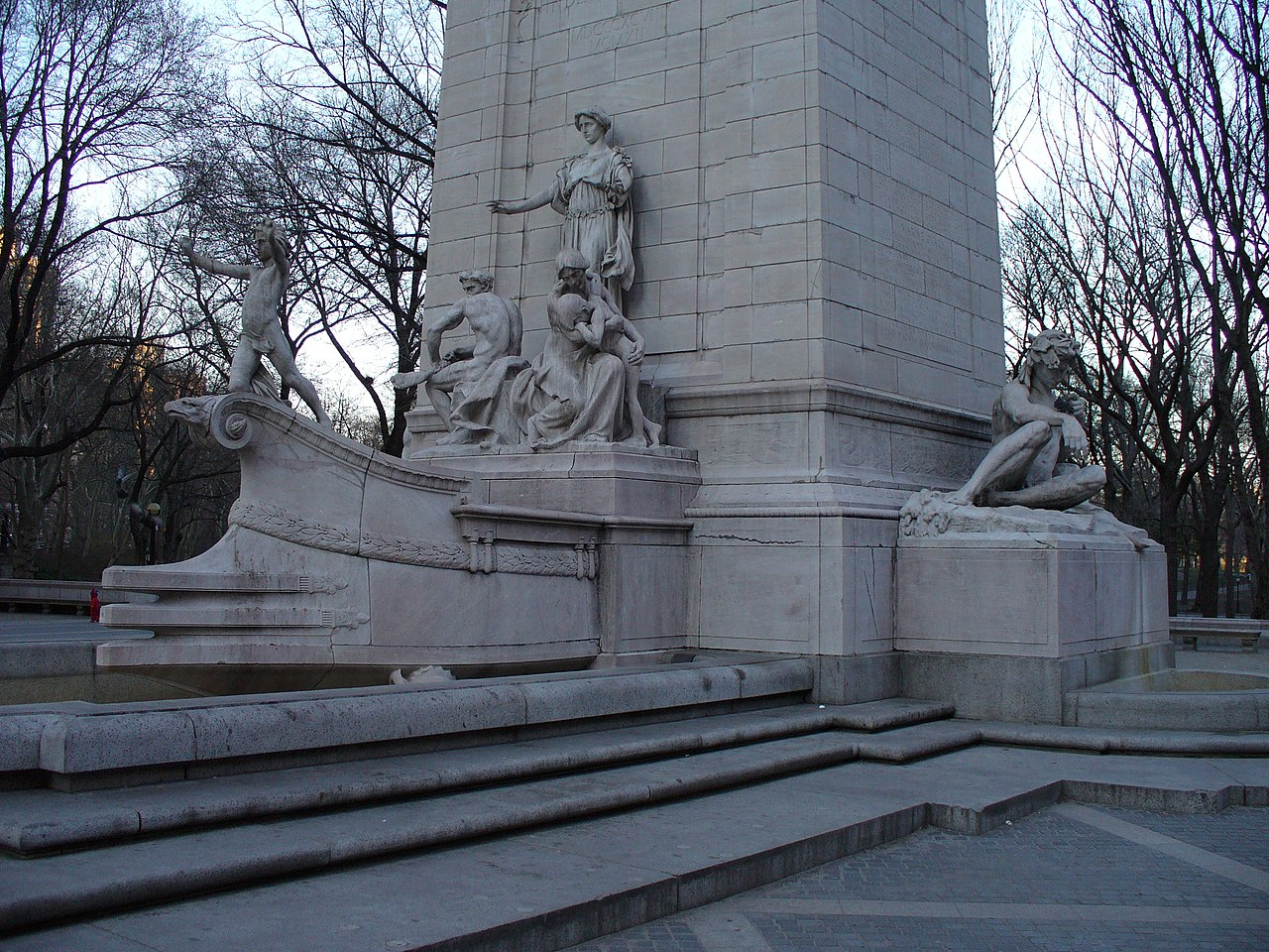 City Of South Gate >> File:USS Maine Monument (1913), New York City (P1000098 ...