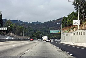US Route 101 North entering the Cahuenga Pass.jpg