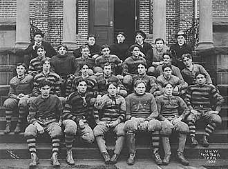 Washington Huskies football - Photo of the 1900 University of Washington football team by Theodore Peiser