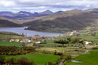 Cervera de Pisuerga - View of Vañes town, in Cervera de Pisuerga.