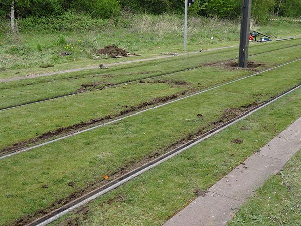 Valenciennes & Anzin - Déraillement de la rame de tramway n° 17 à la sortie du dépôt de Saint-Waast le 11 avril 2014 (120).JPG