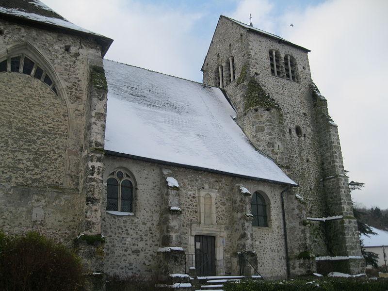 L'église Saint-Léger de Vauciennes, vue du nord.