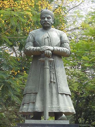 Velu Thampi Dalawa - Statue of Veluthampi Dalawa at Mannadi in Adoor