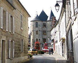 The keep of Vic-sur-Aisne