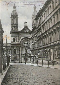 Vinohradska synagoga (cropped).jpg