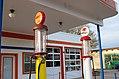 Vintage Pumps (25881801421).jpg
