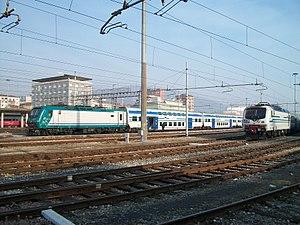 Brescia–Cremona railway - Several passenger trains at Brescia station in 2012