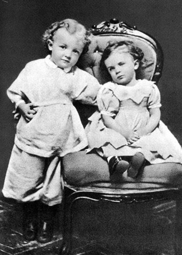 An image of Lenin at the age of three