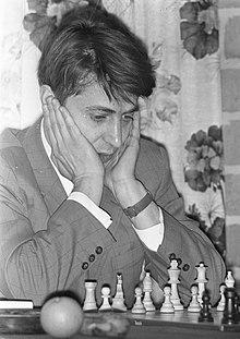 https://upload.wikimedia.org/wikipedia/commons/thumb/c/c3/Vladimir_Savon_1972.jpg/220px-Vladimir_Savon_1972.jpg