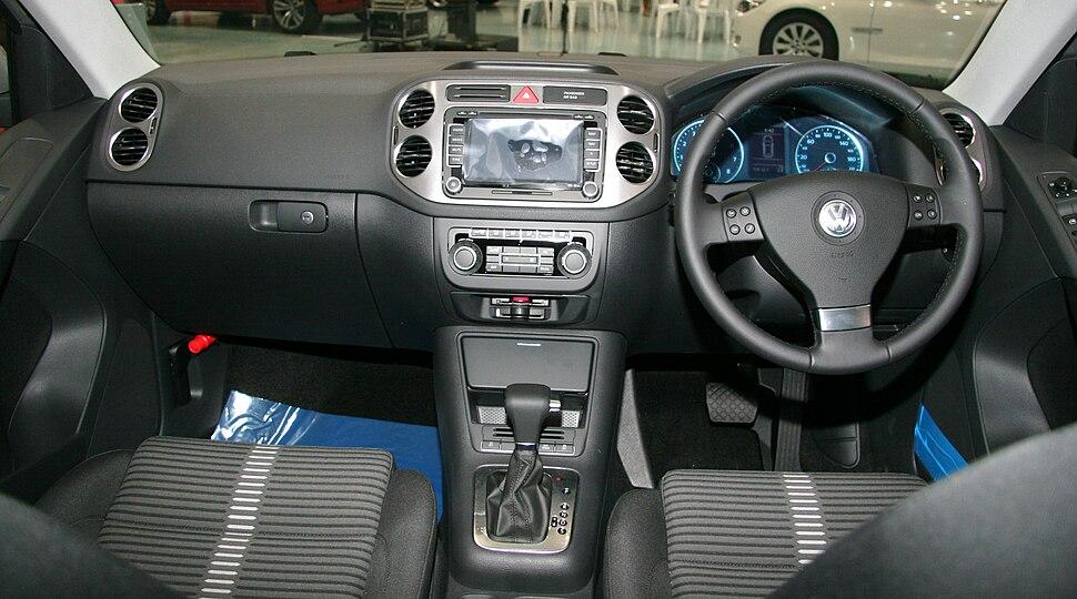 Volkswagen Tiguan interior