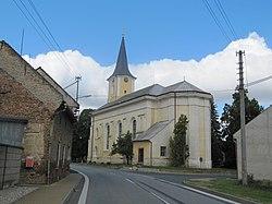 Vrchoslavice, kostel zezadu.JPG