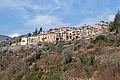 Vue du village de La Croix-sur-Roudoule en redescendant vers la vallée.JPG
