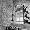 westmuur noorder zijbeuk (met raam) tussen torenmuur en deze westmuur de achterzijde van de blindnissen in de westmuur - batenburg - 20028330 - rce
