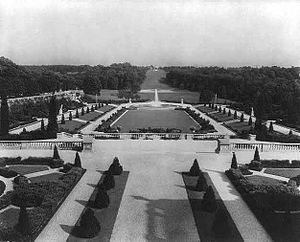 Jacques Gréber - Gardens of Whitemarsh Hall (Edward T. Stotesbury mansion), Wyndmoor, PA (1916–21, demolished 1980). Gréber's mile-long allee, looking east from mansion.