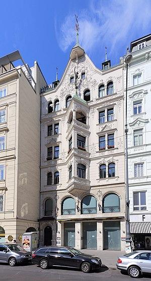 Wien_-_Wohn-_und_Geschäftshaus,_Neuer_Markt_10-11.JPG