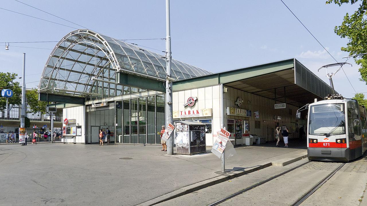 Zug Und Hotel Wien