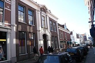 """Wijnbergshofje - Wijbergshofje in the Barrevoetstraat, across from """"Hofje van Loo""""."""