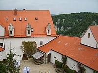 Wildenstein-Blick in den Innenhof.JPG