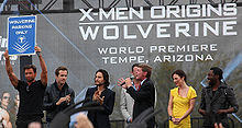 Will.i.am (ultimo a destra) alla prima di X-Men le origini - Wolverine (2009) con altri componenti del cast (da sinistra, Hugh Jackman, Ryan Reynolds, Taylor Kitsch, Liev Schreiber, Hugh Hallman e Lynn Collins)