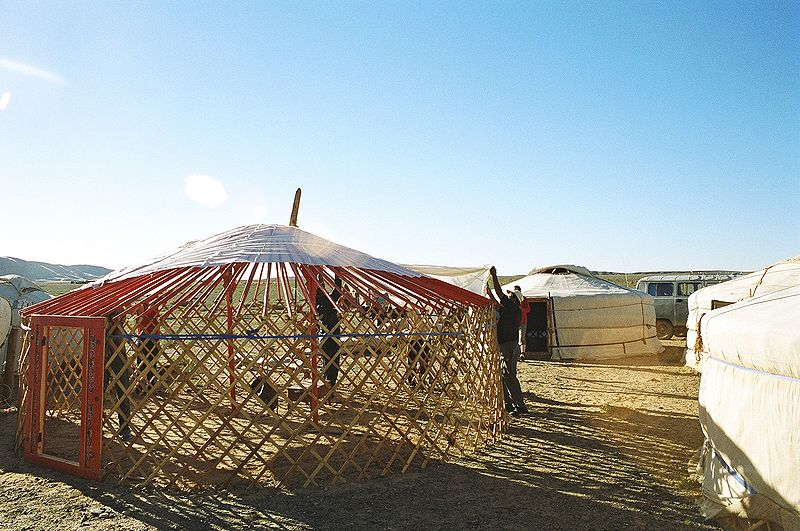 File:Yurt-construction-3.JPG