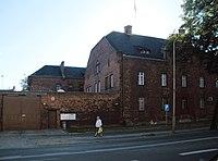 Zakład karny w Brzegu -widok od str ul. Chrobrego.JPG